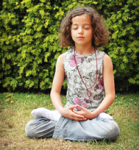 child meditating pic